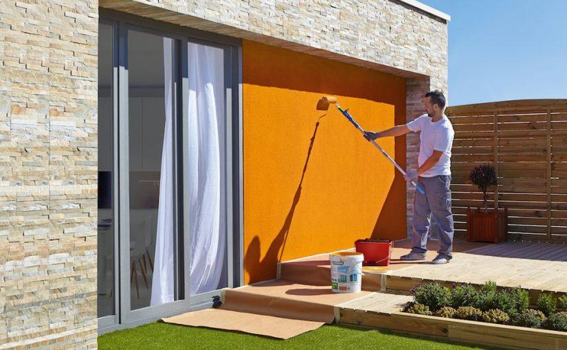 pintando el exterior de la casa