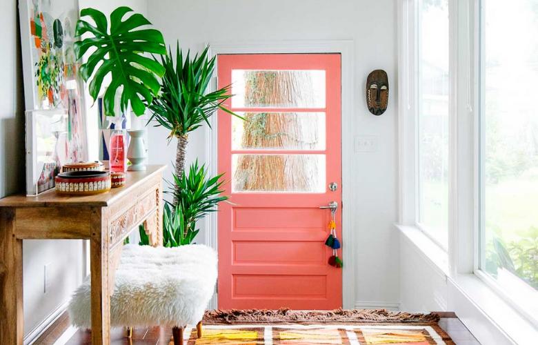 puerta de color rosa