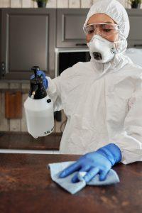 Cómo desinfectar los cubrebocas KN95 para su reutilización