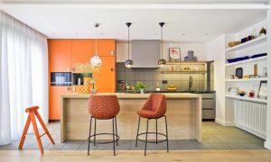 cocina color blanco con naranja