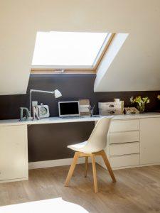oficina en el ático color crema