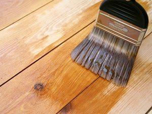 Pasos sencillos para barnizar un mueble