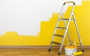 Realiza una correcta preparación de la pintura interior